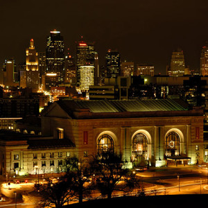 Image of Union Station in Kansas City, MO at night.